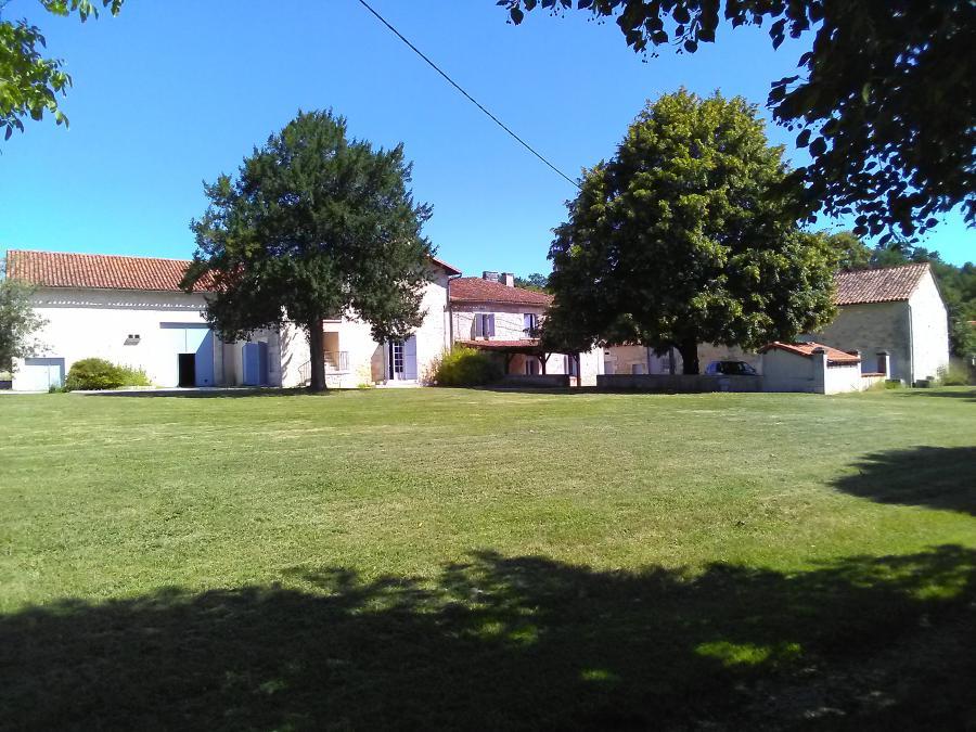 Bellissima proprietà (10 vani - 350m²) a GRAND BRASSAC