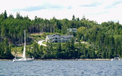 Superb architect-designed house (19 rooms - 372 sqm) in GLEN HAVEN - NOVA SCOTIA
