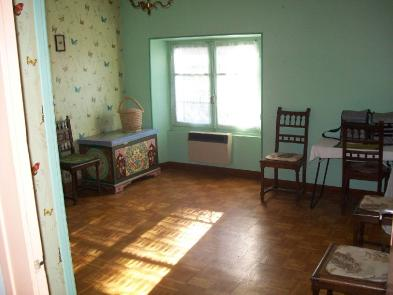 Photo 8 - Bedroom 1