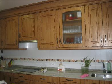 Photo 4 - Fitted kitchen