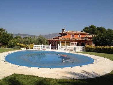 Photo 6 - Swimming pool