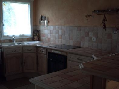 Photo 10 - Fitted and equipped kitchen