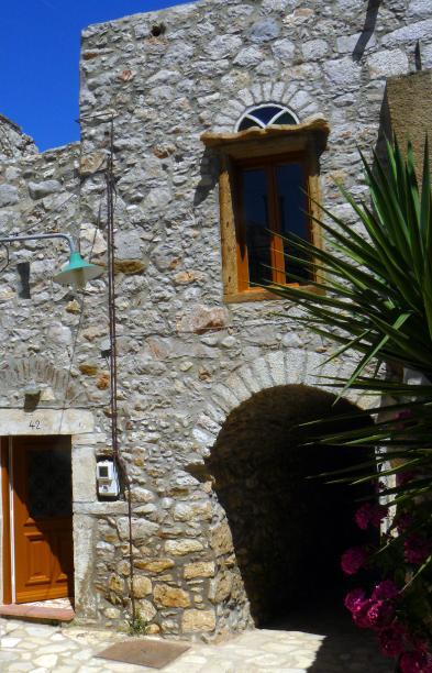 Fantastisches Dorfhaus (5 Zimmer - 51m²) in ARMOLIA