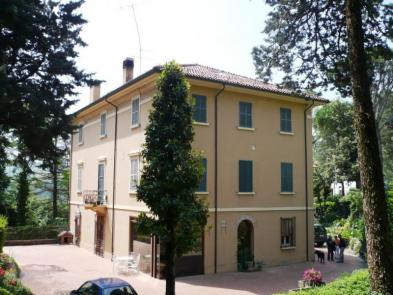 Superb villa (13 rooms - 719 sqm) in RIOLO TERME