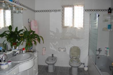 Photo 7 - Bathroom 1