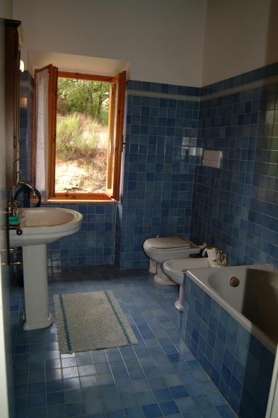 Photo 9 - Bathroom 1