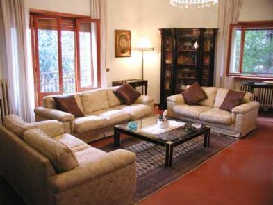Photo 4 - Sitting room