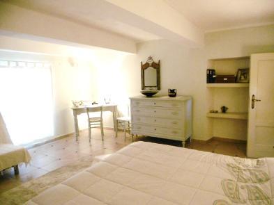 Photo 8 - Bedroom 3
