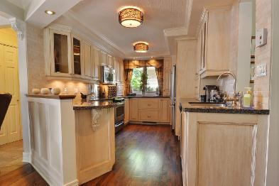 Photo 3 - Fitted and equipped kitchen