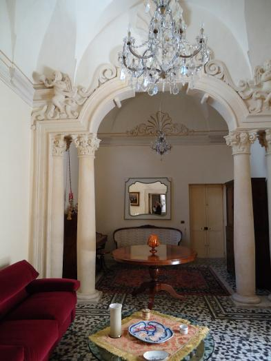 Superb mansion (12 rooms - 300 sqm) in SAN PIETRO IN LAMA