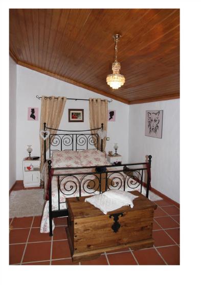 Photo 5 - Bedroom