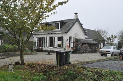 Nice small provençal cottage (6 rooms - 155sqm) in DRIEWEGEN