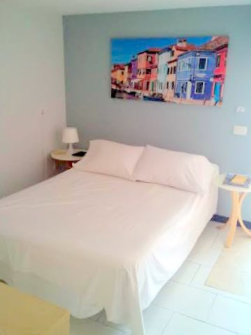 Photo 4 - Bedroom