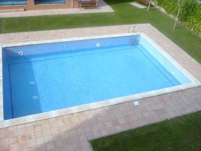 Photo 4 - Swimming pool
