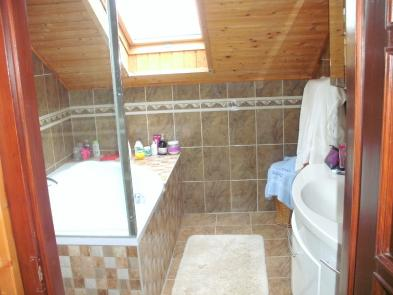 Photo 8 - Bathroom
