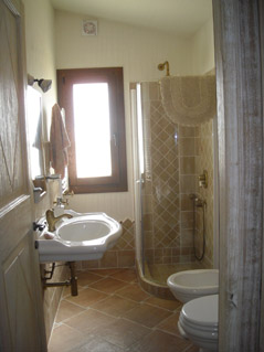 Photo 6 - Shower room