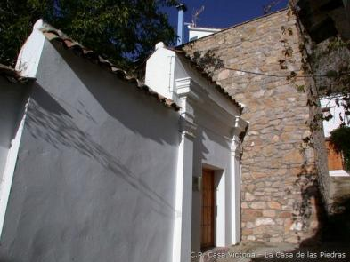 Superb village house (5 rooms - 120 sqm) in VILLALUENGA DEL ROSARIO