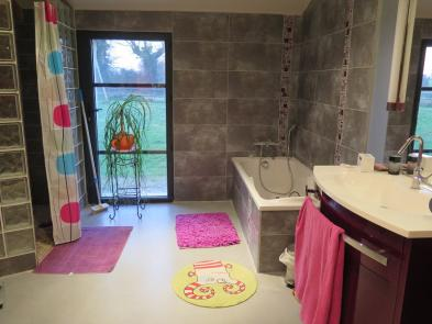 Photo 9 - Bathroom