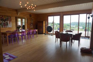 Photo 5 - Dining room