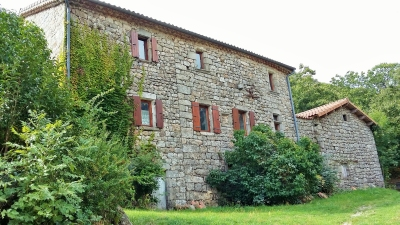 Nice old house (6 rooms - 160 sqm) in LA SOUCHE