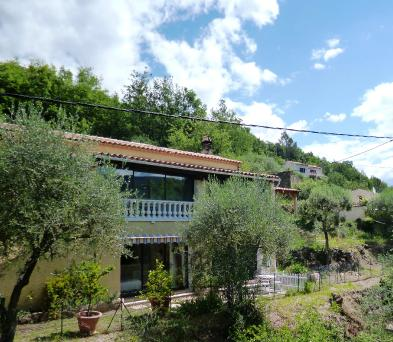 Property in PIERREFEU