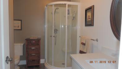 Photo 8 - Salle de bains 2