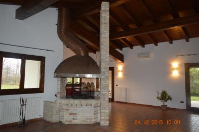 Magnificent architect-designed house (11 rooms - 476 sqm) in FIUME VENETO