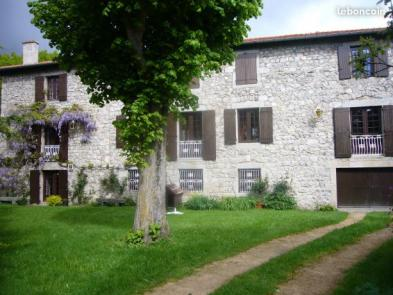 Very nice estate (10 rooms - 350 sqm) in MONISTROL SUR LOIRE
