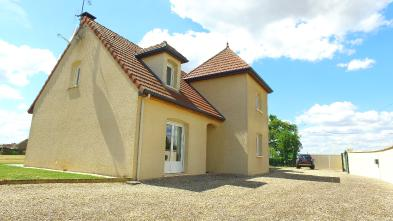 Haus in COURCELLES FREMOY