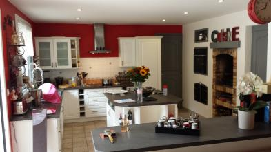 Photo 6 - Fitted and equipped kitchen