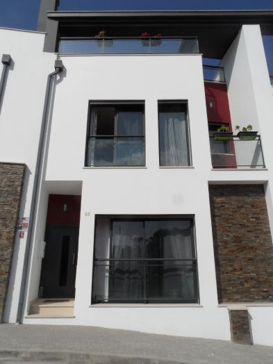 Nice house (5 rooms - 175 sqm) in FAMALICAO NAZARE