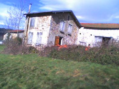 Small farmhouse (7 rooms - 110 sqm) in LAPRUGNE