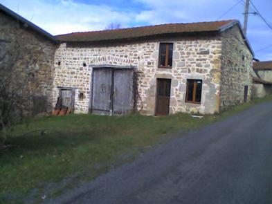 Small farmhouse in LAPRUGNE