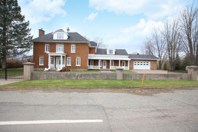 Haus in G7A2B4 LÉVIS(ST-NICOLAS)