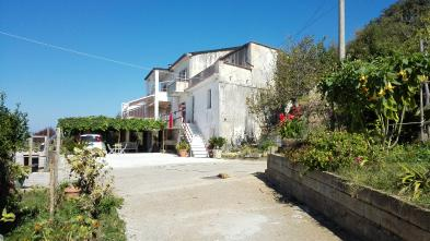 Nice estate (15 rooms - 360 sqm) in BELMONTE CALABRO