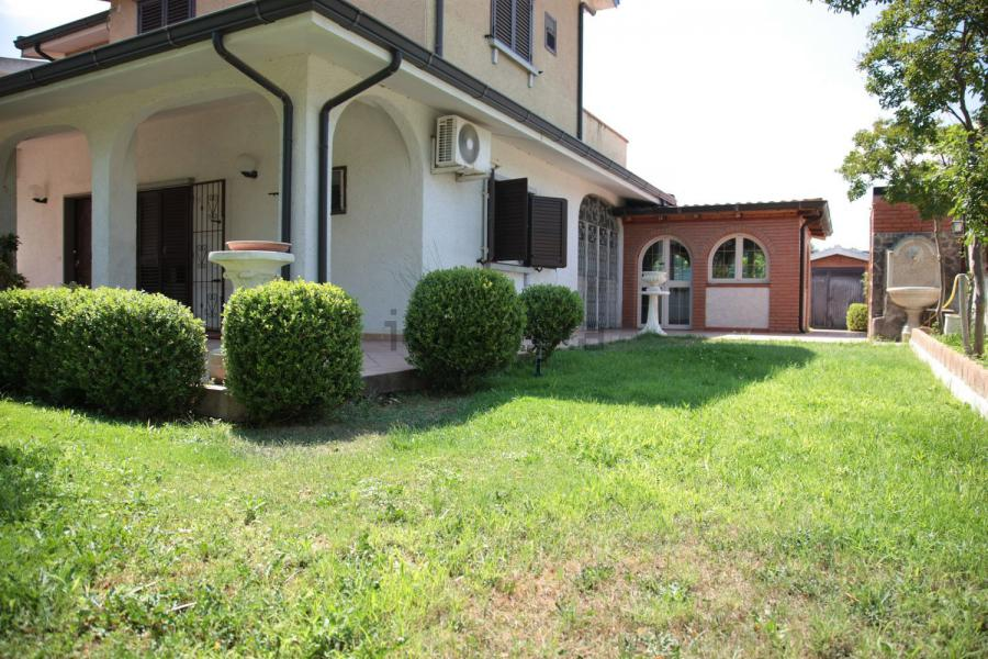 Superb pleasure estate (6 rooms - 220 sqm) in CATANZARO