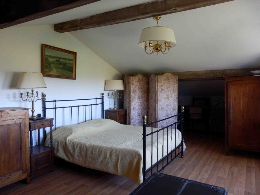 Photo 6 - Bedroom