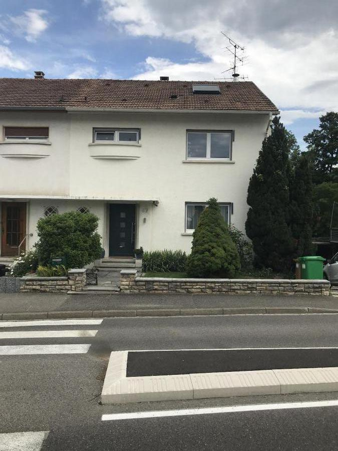 Very nice semi-detached house (7 rooms - 240 sqm) in HEGENHEIM