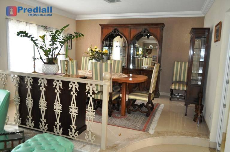 Photo 8 - Dining room