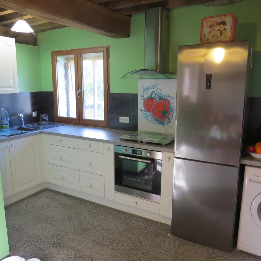 Photo 5 - Fitted kitchen