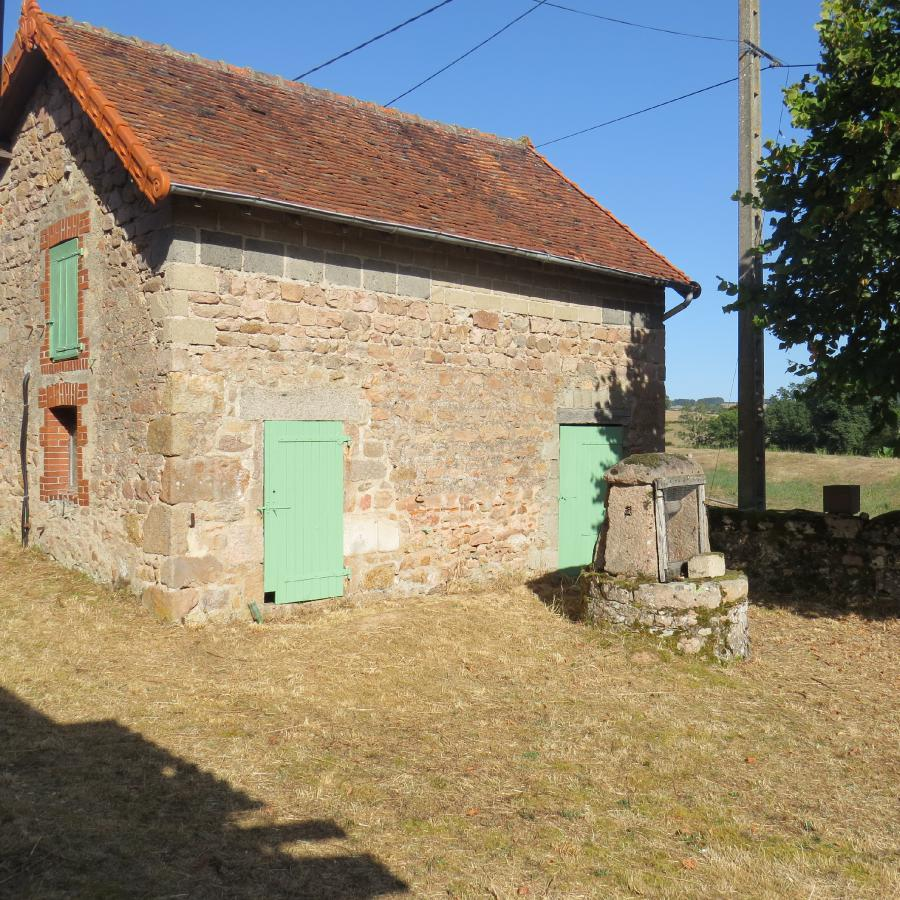 Photo 8 - Outbuilding