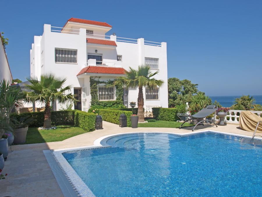 Superb villa (18 rooms - 600 sqm) in TANGER