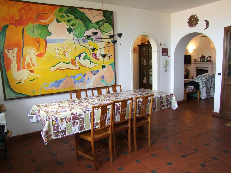 Photo 4 - Dining room