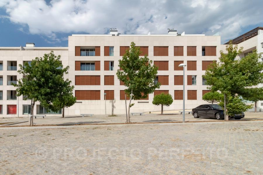 Superb flat (6 rooms - 145 sqm) in ESPINHO