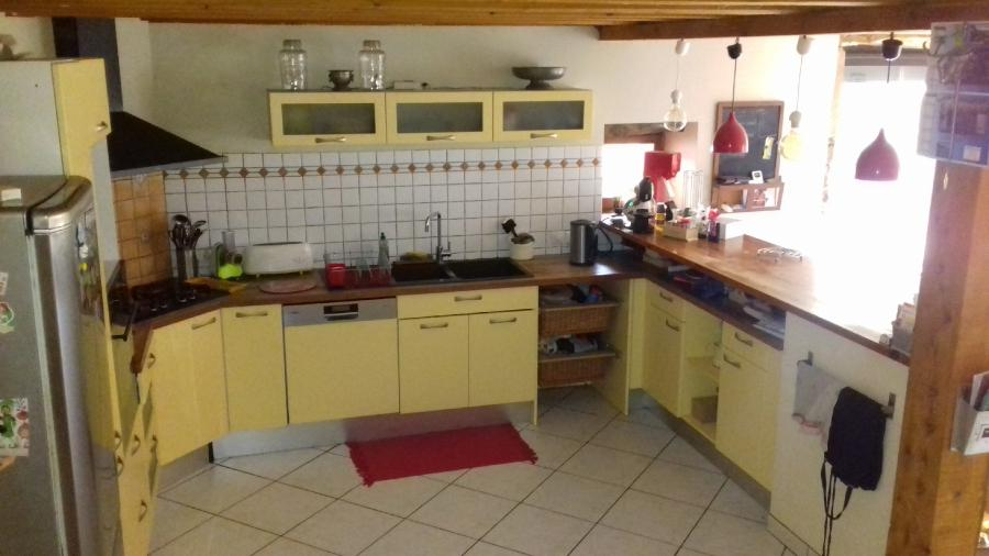 Photo 2 - Fitted kitchen