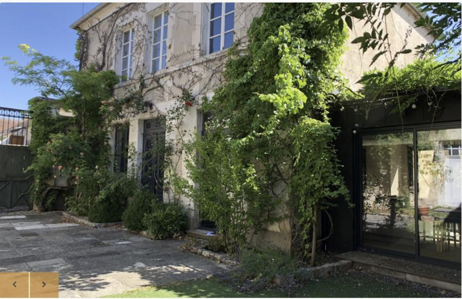 Magnificent mansion (20 rooms - 500 sqm) in COULANGES LA VINEUSE