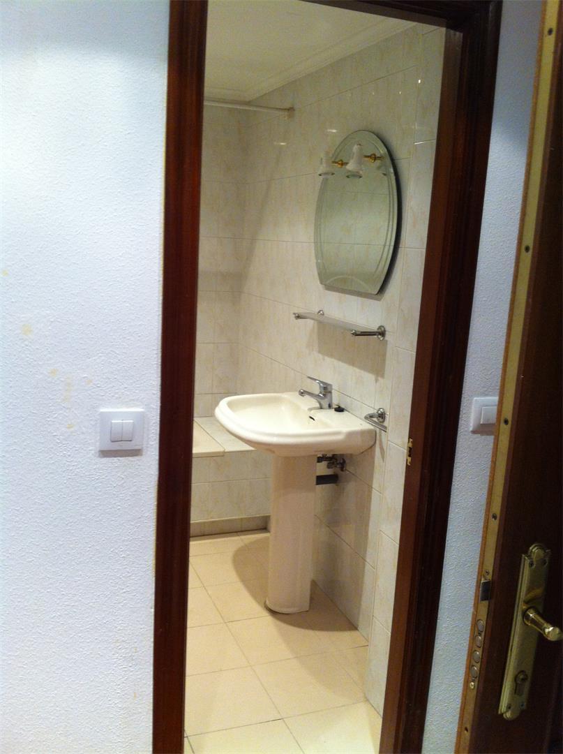 Photo 8 - Bathroom