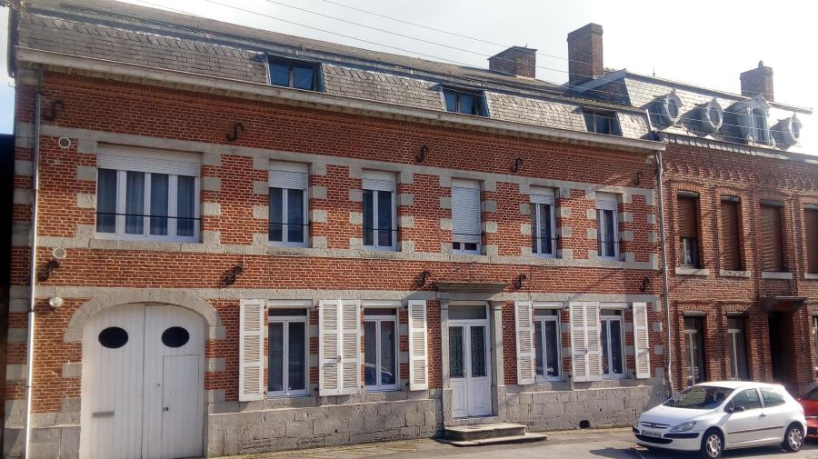 Nice old house (8 rooms - 240 sqm) in TRELON