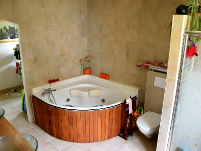 Photo 7 - Bathroom 1