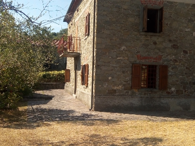 Very nice traditional country house (bastide) (11 rooms - 260 sqm) in MINUCCIANO PIEVE SAN LORENZO